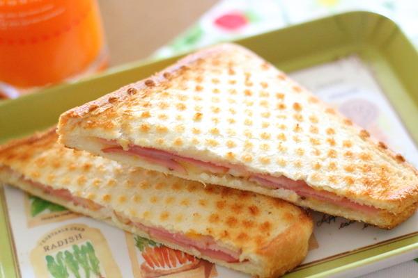オーブントースターで簡単に作るハムチーズのホットサンド とペットボトルで魚採り