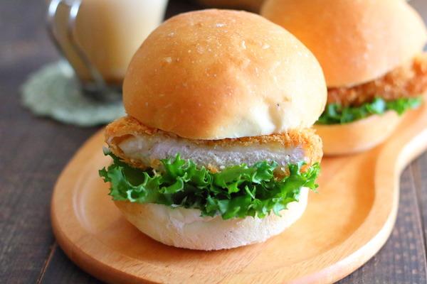 簡単なまるパンで豚カツバーガー|ホームベーカリー使用レシピ