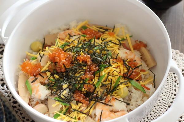 おせちの残りでちらし寿司+うちのお雑煮