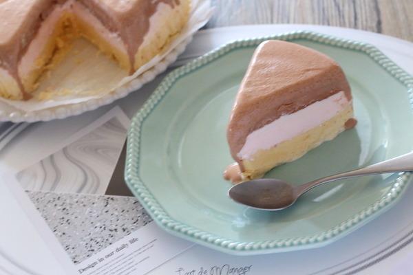 直径18cmのアイスクリームのケーキ作ってみたよ~プリン・いちごカルピス・チョコ味