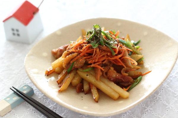 鶏皮きんぴら ~鶏皮の脂で野菜を炒める!おつまみにも◎