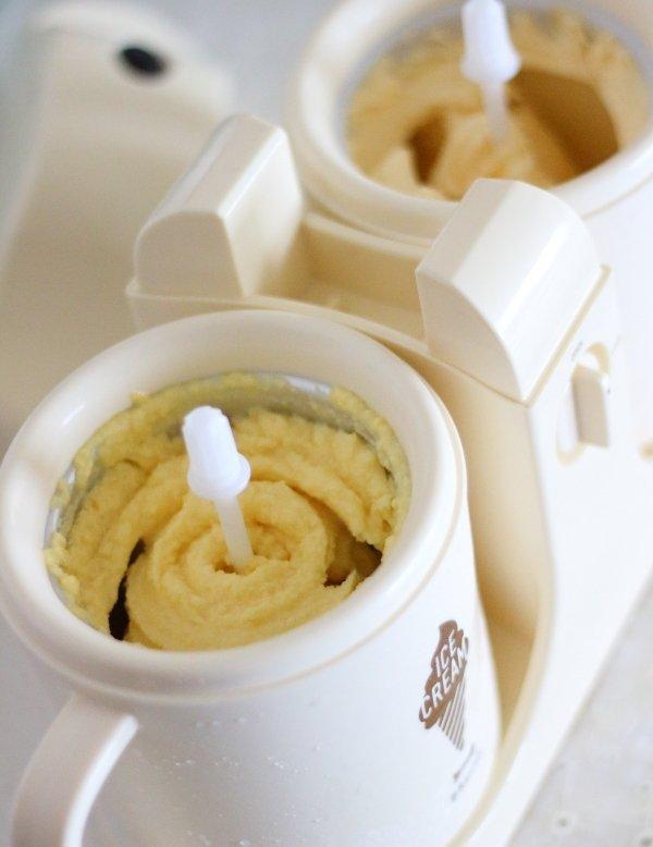 BRUNOデュアルアイスクリームメーカーで1度に2種類のアイスを作ってみた(濃厚バニラ&マンゴーシャーベ)