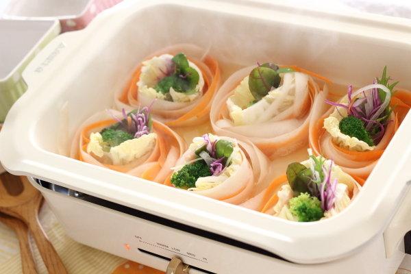 野菜たっぷり!ピーラーで作る【リボン鍋】