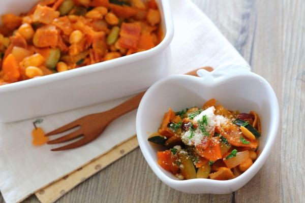 野菜たっぷり豆のトマト煮