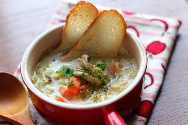 バーミキュラで作る絶品!牡蠣チャウダー 無水調理で栄養満点♡