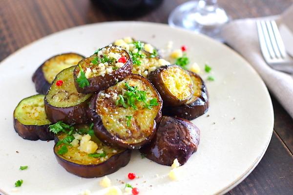 なすイタリアン炒め|オリーブオイルとチーズで美味しさ引き立つ1品