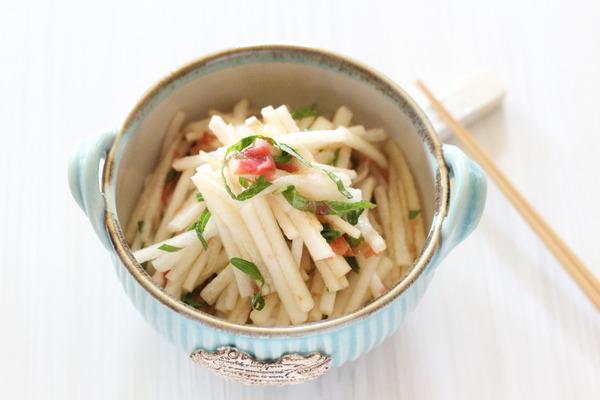 大根の梅干和えと これからの季節におすすめな副菜レシピ①