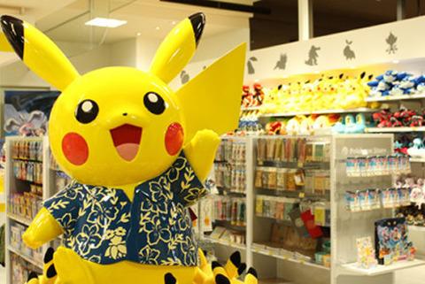 pokemon-store-okinawa-doori-2