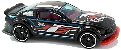 2005-Ford-Mustang-f