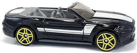 2015-Mustang-GT-Convertible-d