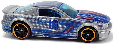 Custom-07-Ford-Mustang-m