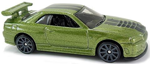 Nissan-Skyline-GT-R-R34-R32-n