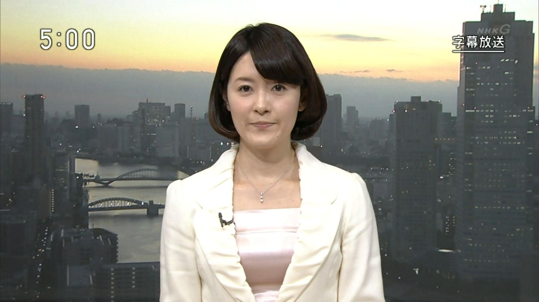 松村正代 NHKニュース 14/10/28 : 女子アナキャプでも貼っておく ...