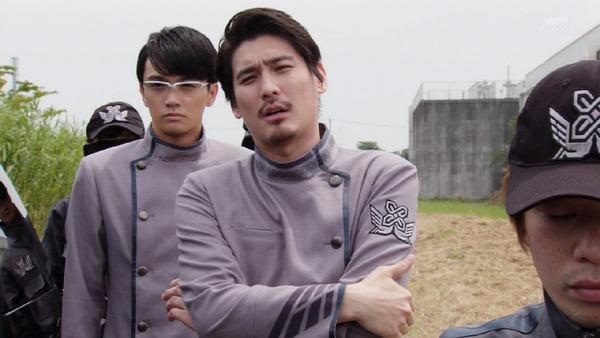 「仮面ライダービルド」1話 (70)