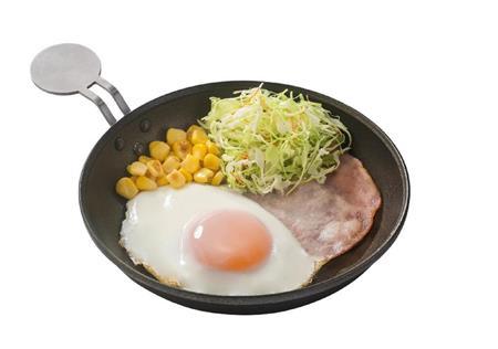 吉野家の「ハムエッグ朝食」2年ぶり再開、復活のカギはフライパン提供 税込350円