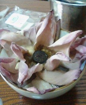蓮の花のお茶