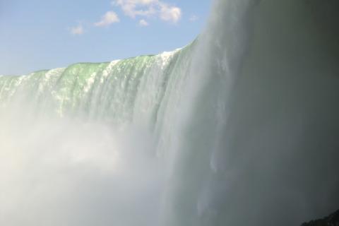 カナダからアメリカへ(Niagara Falls/Les Chutes du Niagara)