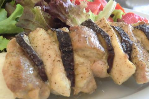 そば米きのこリゾット、和風ステーキ、牛しゃぶサラダ、茄子と鶏肉の挟み焼き