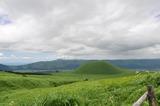 阿蘇外輪山と米塚