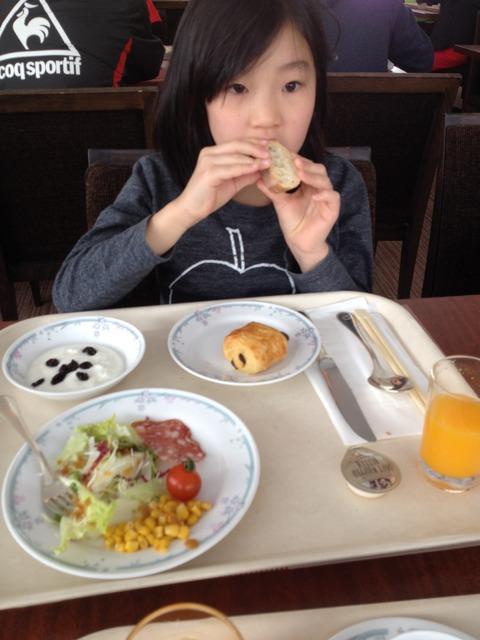 まずは洋食。次に和食