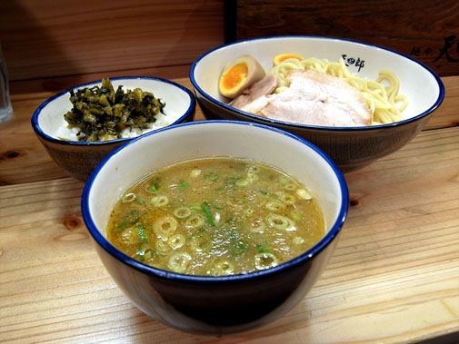 麺や 天四郎 味玉つけ麺(大盛)と高菜ライス