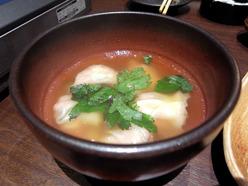 餃子・モツ鍋専門店 杏玻蘭巣 上湯スープ餃子