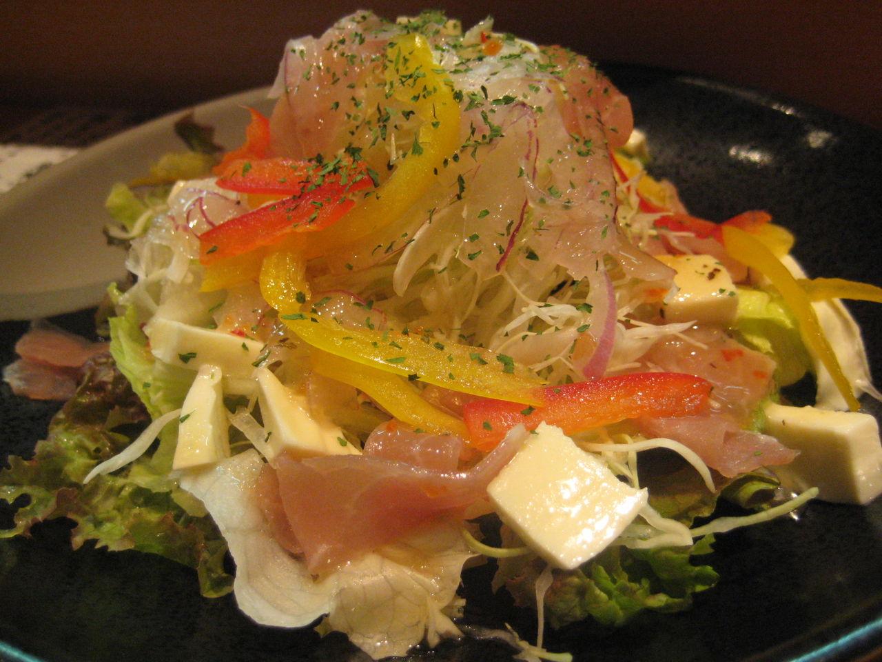 生ハムとモッツレラのサラダ480円