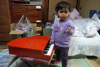 130129礼奈とピアノ