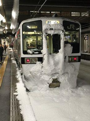 150311列車の雪