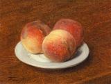 皿の上の3つの桃
