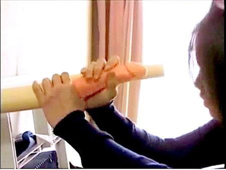 【ヘンリー塚本】「チンポ!チンポ!」淫語を絶叫してオナニーの奥さま!大越はるか