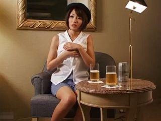 夏目優希 アイドル以上の激カワ若妻が初3Pセックス!生々し過ぎる美女の姿がそこに!