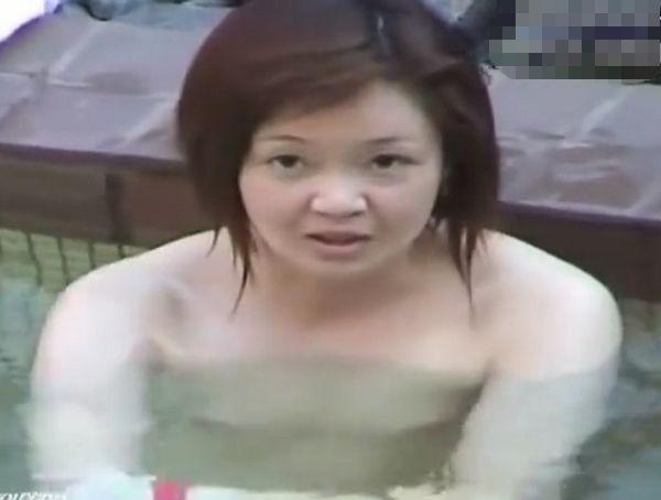 【盗撮動画】野外女子風呂で人妻熟女の天使の誘惑!熟れ頃ボディのマニア必見の裸体が登場w