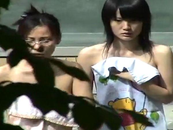【HD盗撮】傑作すぎた女子風呂映像!黒髪清純な美少女のパーフェクト貧乳ボディ!マ●コ撮りまくりw