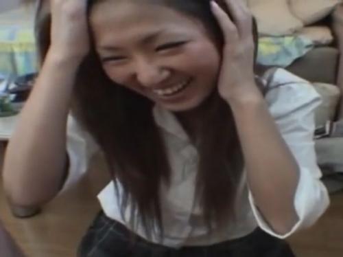 «無修正»デカチンにニコニコだった円光女子校生が早漏に大笑いするまでの一部終止www