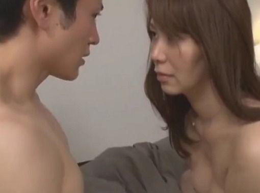 【近親相姦】よりによって娘の旦那と肉体関係をもち中出しSEXの快感に溺れる熟女!翔田千里