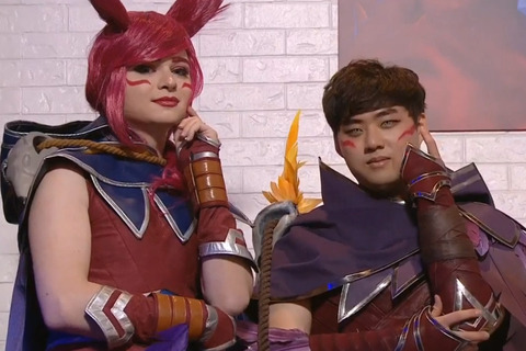 sneaky_bang_xayah_cosplay.0