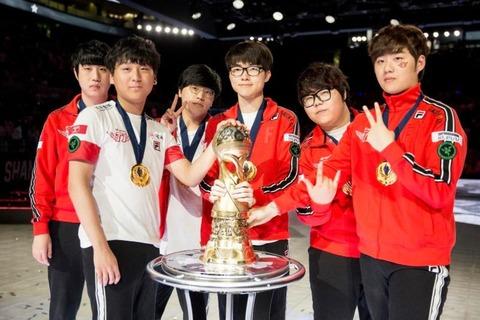 msi-winners-skt-celebrate-their-victory