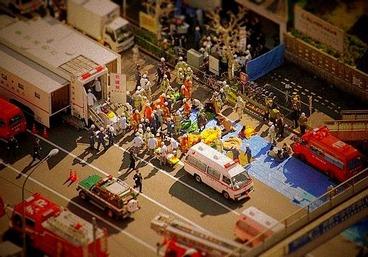 地下鉄サリン事件 c 1995年3月20日 日比谷線築地駅付近 朝日新聞