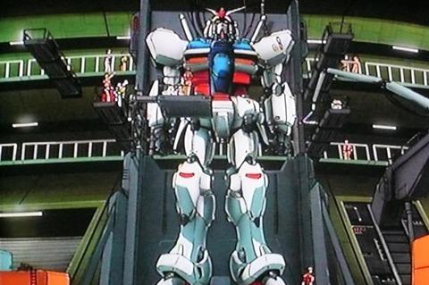 【軍事】「ガンダム0083は搭載していません」 英海軍揚陸艦「アルビオン」入港で在日英国大使館が粋なツイート