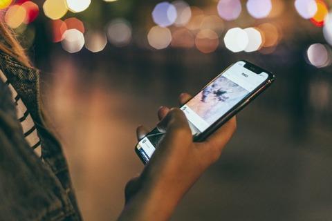 iPhone←ぼったくり Huawei←マルウェア Samsung←チョーセン SONY←オワコン どこのスマホ買えばいいの?(´・ω・`)