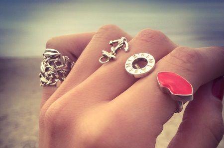 mias luxury ring