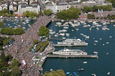 Street-Parade-Zuerich
