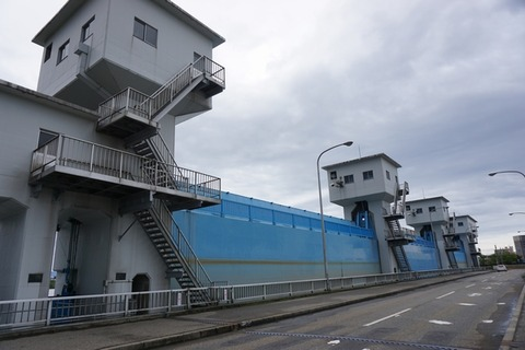 2018092703信濃川水門