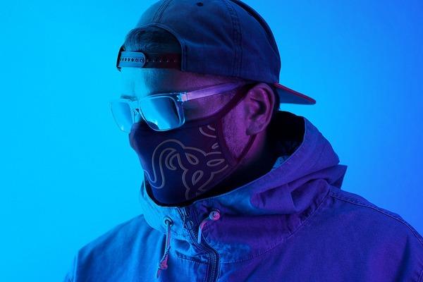 razer-cloth-mask-lifestyle-01
