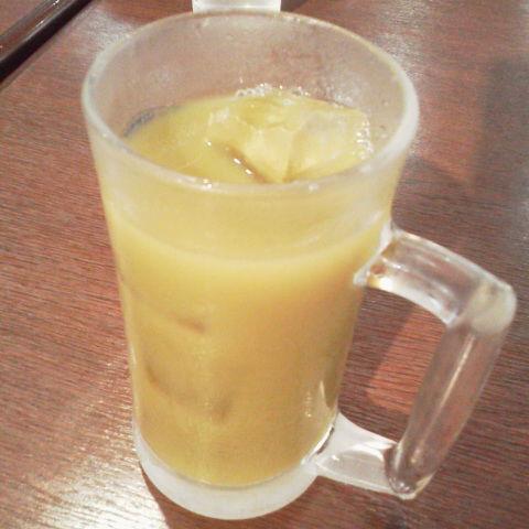 高井戸「美しの湯」の食堂で健康ジュース