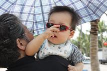 ばあちゃんとサングラス