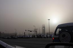 ガスのオリンピック会場と太陽
