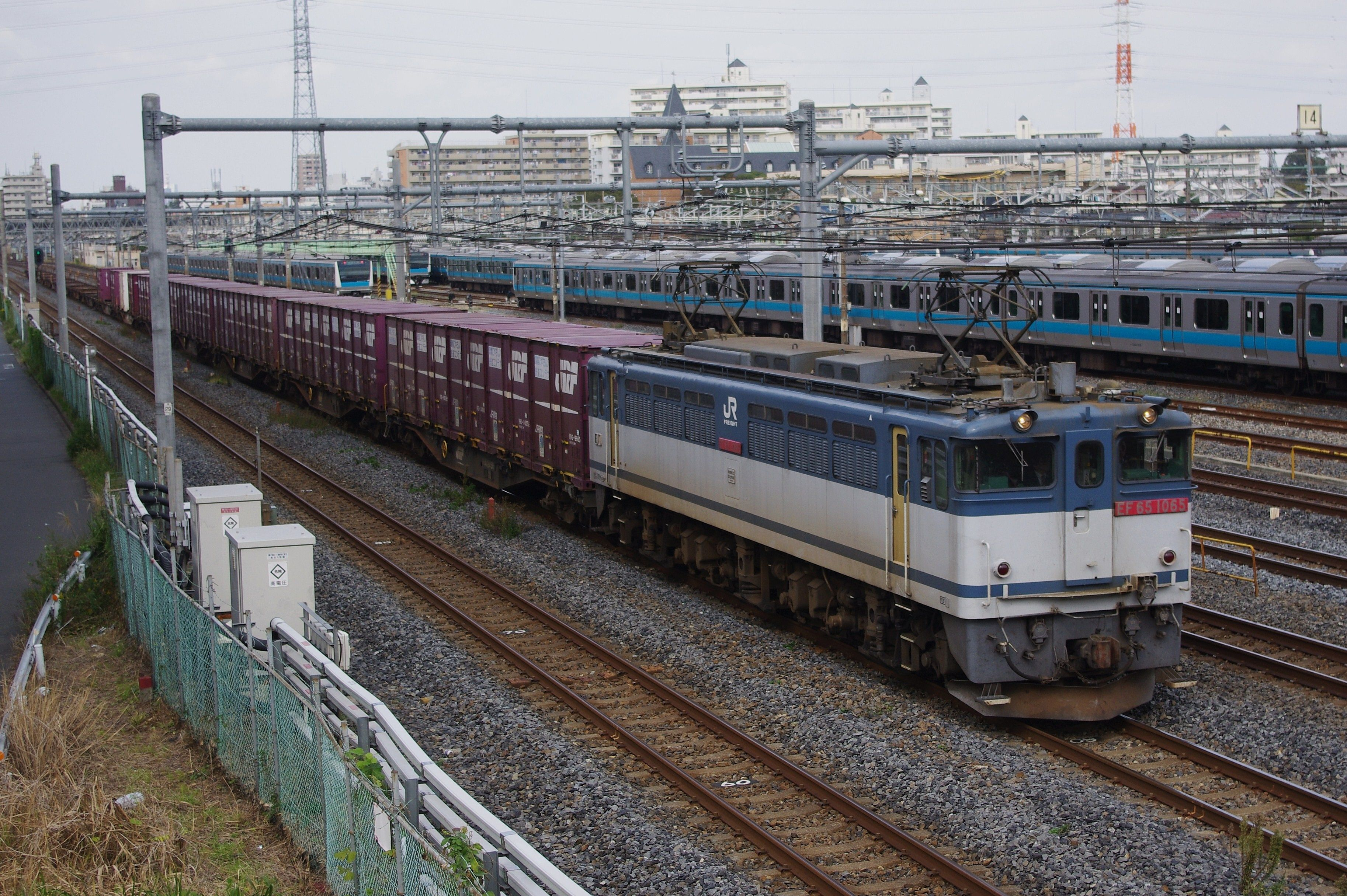 JR東日本/JR貨物 EF65 PF : 6次...