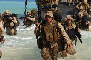300px-13th_MEU_disembarking_Bright_Star_2005